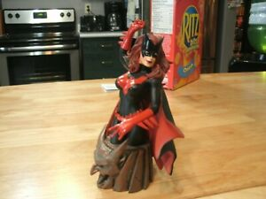 Batwoman~ Series 2  DC Direct  Mini-Bust Statue #1416/4000 Painted  Limited