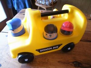 Step 2 Chunky People School Bus with 4 Kids + Driver: Complete-Excellent Shape!