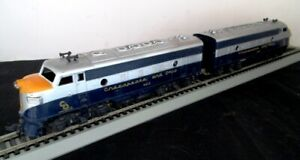 HO Mantua Chesapeake & Ohio F9 Powered & Dummy Diesel Locomotives