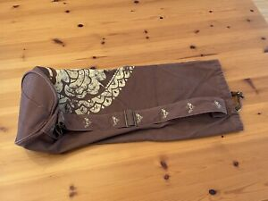 Gaiam Pre-owned Brown and Khaki Yoga/Pilates Mat Bag