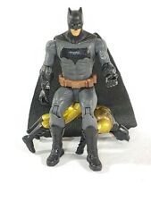 Batman lot: 2017  Mattel Figure & 1990 kenner gold beat up batman Toy Comic DC