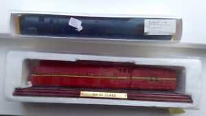 ATLAS DR 05 CLASS LOCOMOTIVE ON PLINTH -1:100 AND INTERCITY 44 008 PENYGHENT