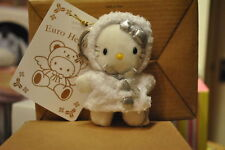 Hello Kitty - as snow angel with silver bow keyring