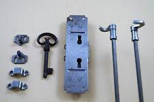 Drehstangenschloß, rechts und links verwendbar, Dornmaß 15 mm, zum Einlassen.