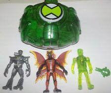 Bandai Ben 10 Mini Creation chamber & 3 fig, Ben, Nanomech ,Ultimate Big chill