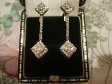 Beautiful & Finely Crafted 18CT Gold: 62 Sparkling Diamonds Set Drop Earring
