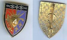 Hussards - 4° Régiment hussards émail couleurs inversées bord noir