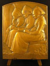 Médaille sc A Schwab Les Aieules 3 vieilles femmes  old women sitting 90mm Medal
