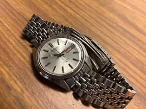 seiko automatic mens watch original band vintage day date 7006-8007