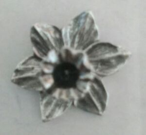 Silver Welsh Pewter Daffodil Lapel Pin Badge
