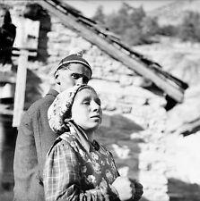 SUISSE c. 1948 - Fermiers Éleveurs Saas Almagell - Négatif 6 x 6 - Sui 241