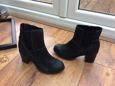 Ladies black leather boots Clarks 6.5 d