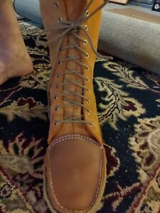 Vintage - Handmade in Canada -  Leather + Liner + Natural Rubber Sole - Mukluks