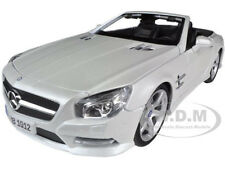 2012 MERCEDES SL 500 CONVERTIBLE PEARL WHITE 1/18 DIECAST MODEL BY MAISTO 31196