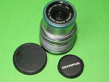 Olympus M.Zuiko Digital 14-42 mm 1:3.5-5.6 II R Objektiv silber **TOP**
