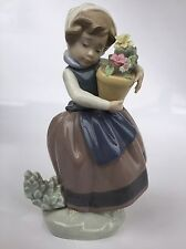 """Lladro Daisa 1983 Girl Holding Flower Pot Porcelain Figurine 6 1/2"""""""