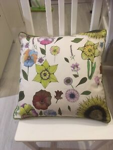 "1 Designer Fabric Cushion Covers Garden Flowers 18""x18"""
