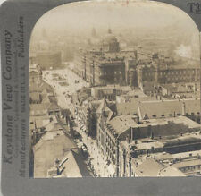 AERIAL STEREOVIEW OF BERLIN, GERMANY AND PEOPLE IN STREETS