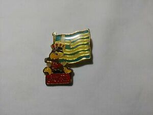 1984 LA Olympic Sponsor Coca Cola Sam Greece Flag Pin Back
