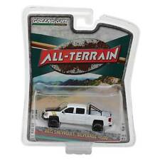 Gl All-Terrain: 2015 Chevy Silverado 1500 (White) 1/64 Scale