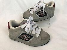 Heelys Skater Skate Shoes Size Youth 4 Boys Girls Mens Roller Shoes Wheels Gray