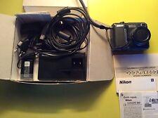 Nikon coolpix 880 + Chargeur d'accumulateur Nikon EH-21 + 2 accus