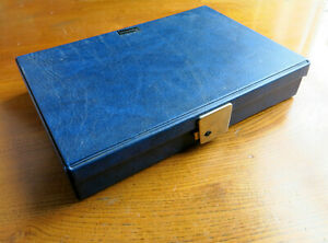 A 200 CAPACITY 35mm.SLIDE BOX.