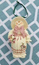 itreekedyou.com Resin Pink & White Fat Snowlady Christmas Ornament