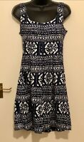 Ladies Nine West Dress Blue White Pattern Sleeveless Size 6