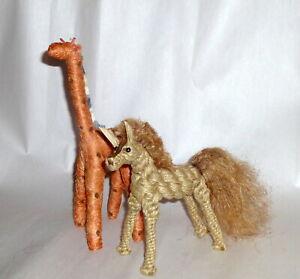 "2 Africa Vintage Fiber Folk Arts Straw Rope Grass Hand Made 9"" Giraffe & Horse"