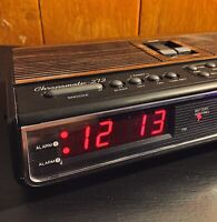Vintage Alarm Clock Radio AM/FM Realistic Chronomatic Woodgrain WORKS BEAUTIFUL!