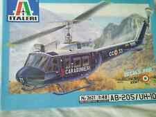 ITALERI 1:48 AB-205 / UH-1D Kit plastic No. 2621. TRES RARE.
