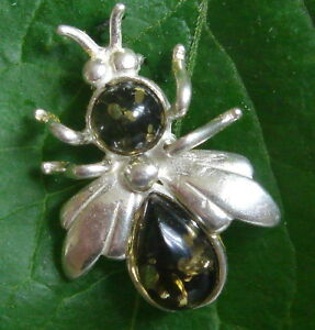 BALTIC AMBER AND SILVER BEE BROOCH 20 BY 15 MM green COLOR RUSSIA RUSSIA