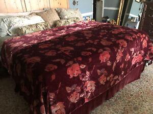 Burgundy/Merlot Pottery Barn Floral Velvet King Duvet ~ Beautiful/Soft ~ EC!