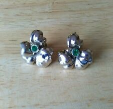 Vintage 1950s silvertone and green rhinestone flower earrings