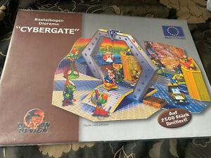 Kinder Surprise Cybergate Diorama. Bastelbogen. Fererro. Cybertops. Display.