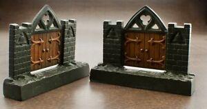 ANTIQUE ARTS & CRAFT DESIGN GOTHIC DOOR CAST IRON PAIR BOOKENDS