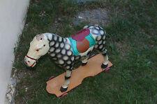jouet d'enfant ancien cheval en carton bouilli a roulettes
