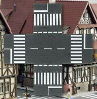 BUSCH 7074 H0, Straßenkreuzung für 80 mm Straßen, passend zu BUSCH 7086 und 7096