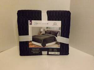 NEW Mainstays KING size satin quilt (Black)