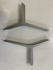 TCL TV STAND  BOTTOM RIGHT AND LEFT PLUS SCREWS FOR 55C1US