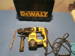 DEWALT SDS HAMMER DRILL D25323 8 AMP 120V CORDED L-SHAPED THREE MODE SELECTOR