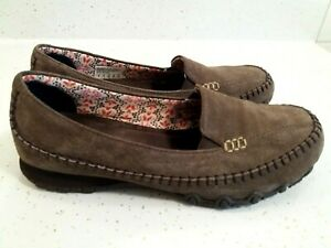 Skechers Size 9 Chocolate Suede Relaxed Fit Bikers Wayfarer Comfort Loafer