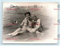 VINTAGE PHOTO GIRLS AMATEUR Couple hugging risque sexy leggy lesbian love gay in