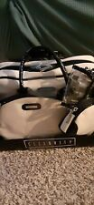 selebrity cosmetic travelkit includes: weekender, 4 cosmetic brushes, brush hold