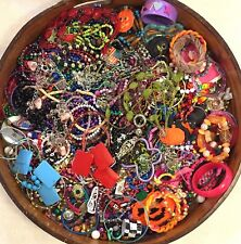 HUGE Lot FOUR POUNDS Vintage Costume Jewelry DIY Craft Estate Sale Mix 4PJ05