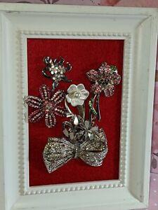 Flowers on felt; repurposed jewelry, simple but beautiful!