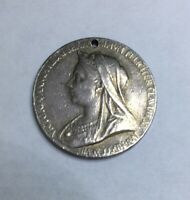 Queen Victoria diamond jubilee medal. Solid Silver
