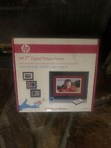 "HP 7"" Digital Solid Wood Digital Picture Frame Remote df780b2 2GB Memory"