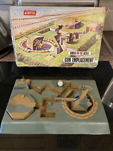 Vintage Airfix Gun Emplacement Complete With Box.
